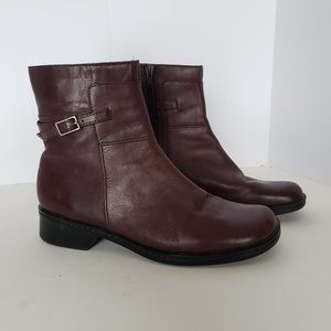 Clarks Size 8 Brown Leather Women's Boots